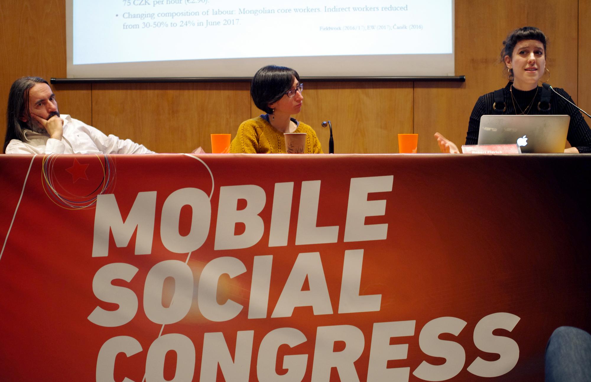 El Mobile Social Congress presenta un informe que vincula el risc de suïcidi amb les condicions laborals a la indústria electrònica a la Xina