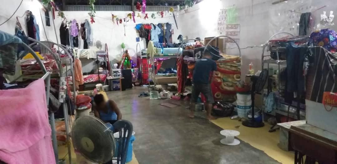Una investigació destapa el treball forçós darrere de la fabricació dels productes electrònics europeus a Malàisia